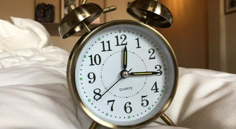 daylight savings spring forward one hour