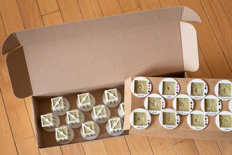 gardyn-cube-starter-kit-box-contents