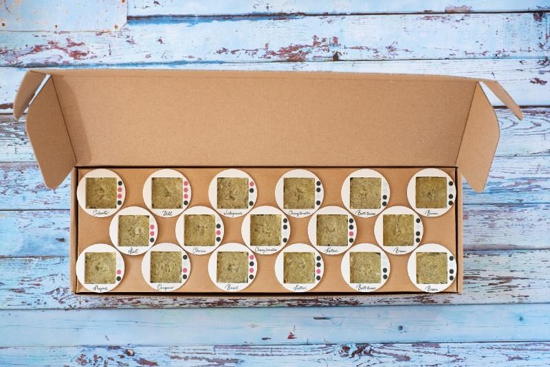 gardyn-cube-starter-kit-box-whats-inside
