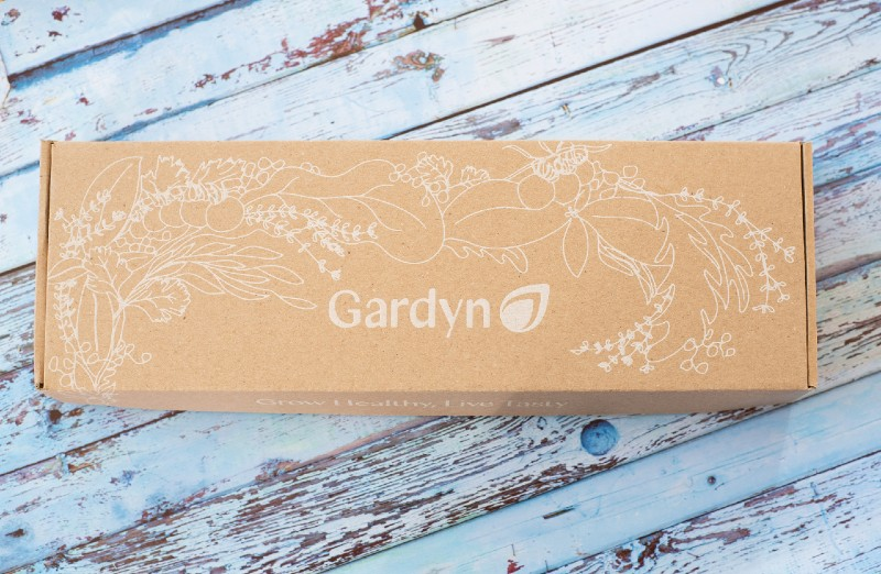 gardyn-cube-starter-kit-box