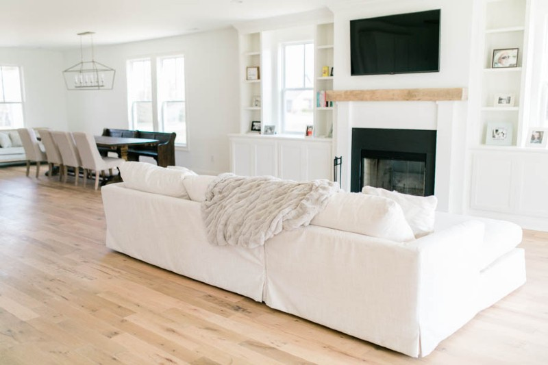 southend-reclaimed-steeplechase-wood-flooring-in-white-light-filled-living-room
