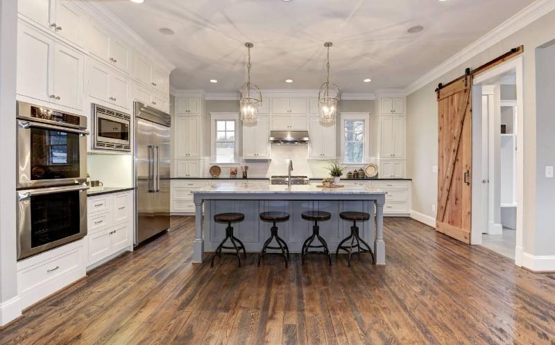 cochrans-lumber-live-sawn-white-oak-in-kitchen
